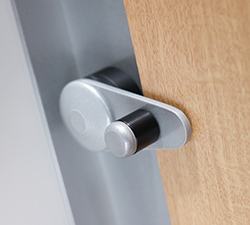 Robust cubicle latch Cotswold